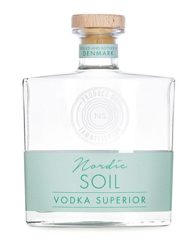 Vodka-Superior-m-Skygge-Web-opløsning